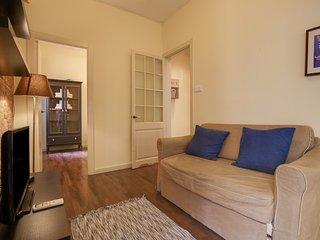 Lovely, cozy 2bed w/Balcony in Sunny Barceloneta