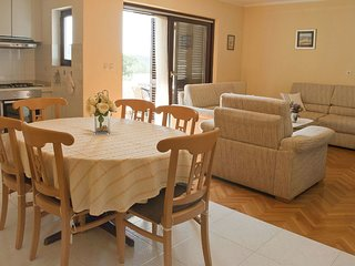 2 bedroom Apartment in Lukoran, Zadarska Zupanija, Croatia : ref 5549798