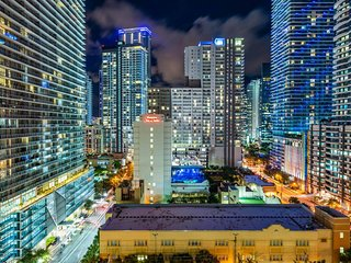6/4 [MULTI] Brickell Lux Residences by NOMAD GURU