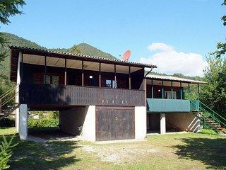 2 bedroom Villa with Walk to Shops - 5655730