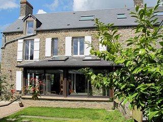 4 bedroom Villa in Les Moutiers-en-Cinglais, Normandy, France - 5441999