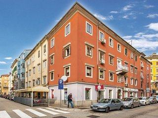 2 bedroom Apartment in Rijeka, Primorsko-Goranska Županija, Croatia - 5570116