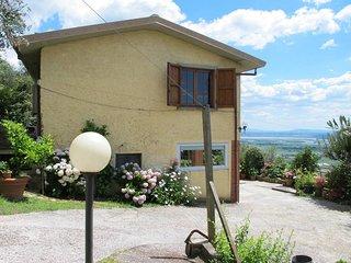 2 bedroom Villa in Mommio Castello, Tuscany, Italy - 5447641
