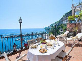 Amalfi Apartment Sleeps 6 with Air Con and WiFi - 5228729