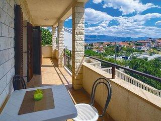 2 bedroom Apartment in Sutivan, Splitsko-Dalmatinska Županija, Croatia : ref 553