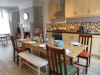 Character town house, great location for easy access to Moors & amenities