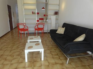 1 bedroom Apartment with WiFi and Walk to Shops - 5312777