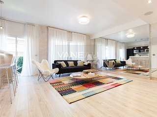 Modern 2 bedrooms Apartment in the center