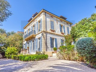 VANEAU ☀️ Magnificent Villa with pool and garden