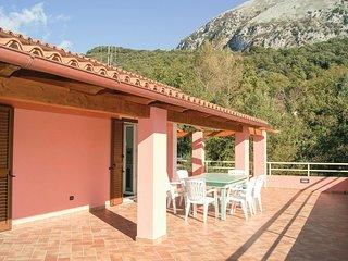 3 bedroom Villa in Maratea, Basilicate, Italy : ref 5574638