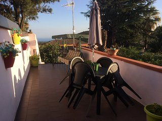 Spacious apartment in the center of Pedara with Parking, Washing machine, Air co