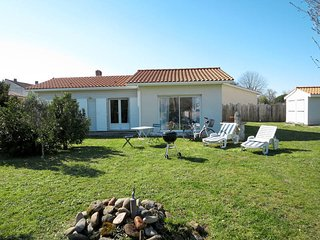 2 bedroom Villa in Saint-Vivien-de-Medoc, Nouvelle-Aquitaine, France - 5586466