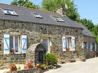 2 bedroom Villa in Kerbastun, Brittany, France - 5650310