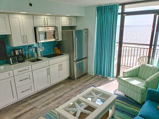 Oceanfront Oasis w/ Breathtaking Views! Steps 2 Beach.Hottub.Pool.LazyRiver.Wifi