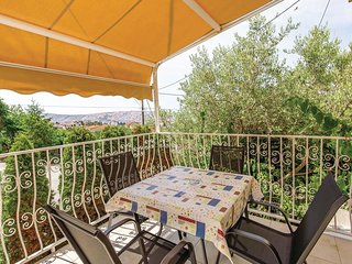 1 bedroom Apartment in Barbat, Primorsko-Goranska Zupanija, Croatia : ref 554749