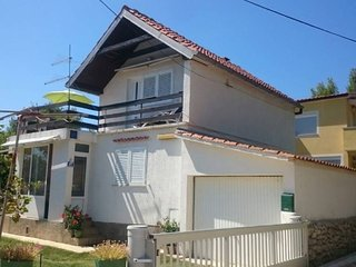 Cozy apartment close to the center of Privlaka with Parking, Internet, Air condi