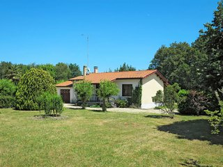2 bedroom Villa in Saint-Vivien-de-Medoc, Nouvelle-Aquitaine, France - 5650356