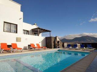 5 bedroom Villa in Playa Blanca, Canary Islands, Spain - 5700399