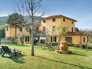 2 bedroom Villa in Sant'Andrea di Compito, Tuscany, Italy - 5566846