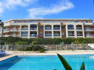 1 bedroom Apartment with Pool, WiFi and Walk to Beach & Shops - 5341520