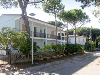 2 bedroom Apartment in Caleri, Veneto, Italy - 5650759