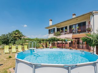 3 bedroom Apartment in Bibići, Istarska Županija, Croatia - 5520484