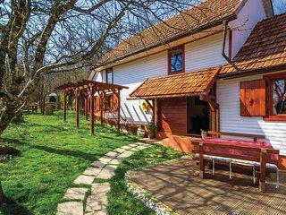 2 bedroom Villa in Mala Lešnica, Primorsko-Goranska Županija, Croatia : ref 5520