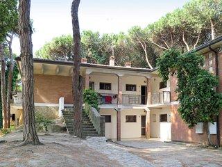 2 bedroom Apartment in Caleri, Veneto, Italy - 5650693