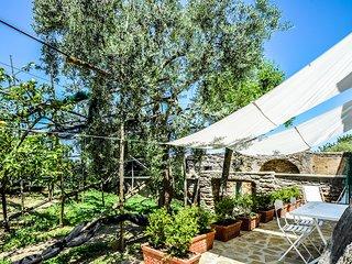 Casa Tiberio with Garden, private Terraces and Sea View