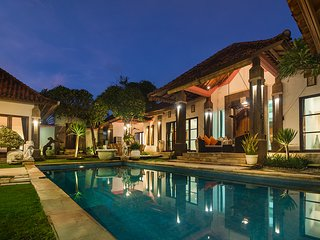 7 Bdr - Last Minute Deal 50%+ OFF!!! Nusa Dua, White Sandy Beaches