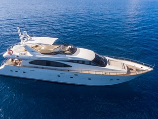 Nawaimaa - Luxury Yacht Cruising in Maldives