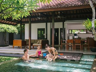 Luxury 2 BR Private Villa With Family Uma Sapna