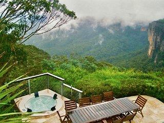 Omaroo Mountaintop Villa