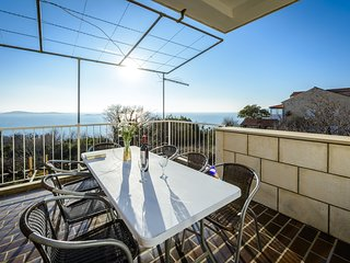 Apartments Matusko - Three Bedroom Apartment with Terrace and Sea View-4