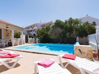 Beautiful 5 Bedroom Villa. Private Heated Pool. Callao Salvaje. Sleeps 12.