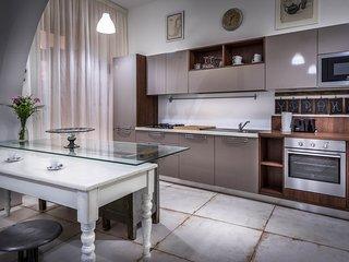 Spacious studio apartment in Valletta