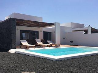 2 bedroom Villa in Playa Blanca, Canary Islands, Spain - 5700473