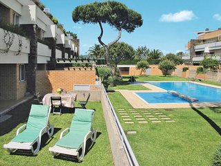 2 bedroom Apartment with Pool, WiFi and Walk to Beach & Shops - 5651743