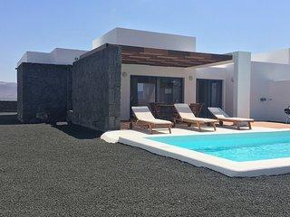 2 bedroom Villa in Playa Blanca, Canary Islands, Spain - 5700478