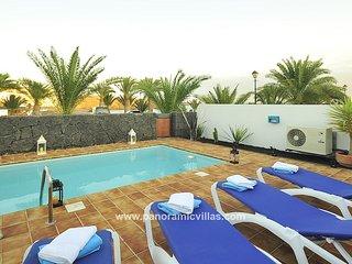 3 bedroom Villa in Playa Blanca, Canary Islands, Spain - 5700502