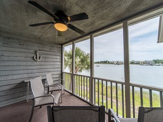 45 MARINERS CAY - RIVERFRONT CONDO - POOL