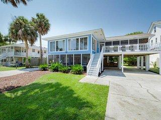 704 W ASHLEY AVE - BLUE SKY -  2ND ROW HOUSE - HEATED POOL