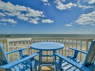 411 OCEANFRONT VILLAS- RIDING THE WAVES- OCEAN FRONT