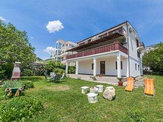 Apartments Viktorija - One-Bedroom Apartment with Balcony
