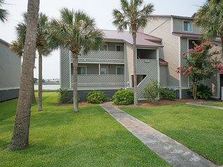 27 MARINERS CAY - RIVERFRONT CONDO - POOL