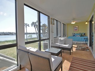 13 MARINERS CAY - RIVERFRONT CONDO - POOL