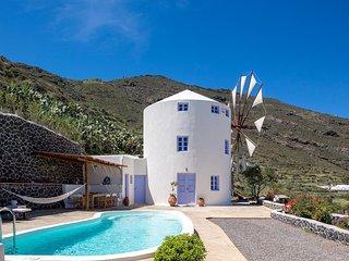 2 bedroom Villa in Porí, South Aegean, Greece - 5700392