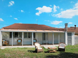 2 bedroom Villa in Dignac, Nouvelle-Aquitaine, France - 5682820