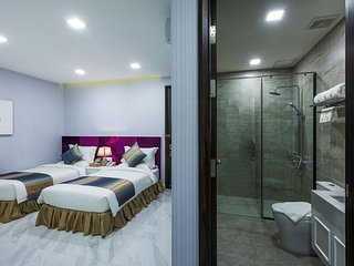 V Boutique Hotel - Standard Twin Room 2