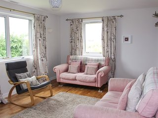 Lingay - Cosy Cottage / 2 min drive to beach / 3 Bed